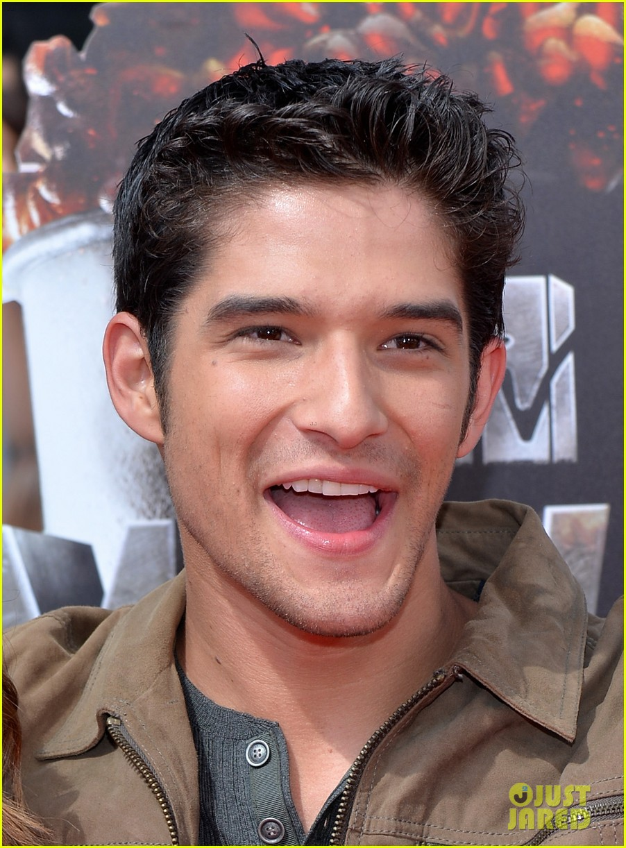 tyler posey seana gorlick mtv movie awards 2014 023091020