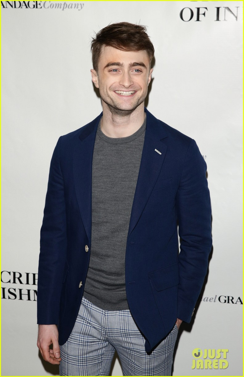 daniel radcliffe receives rave reviews in cripple of inishmaan 073095925