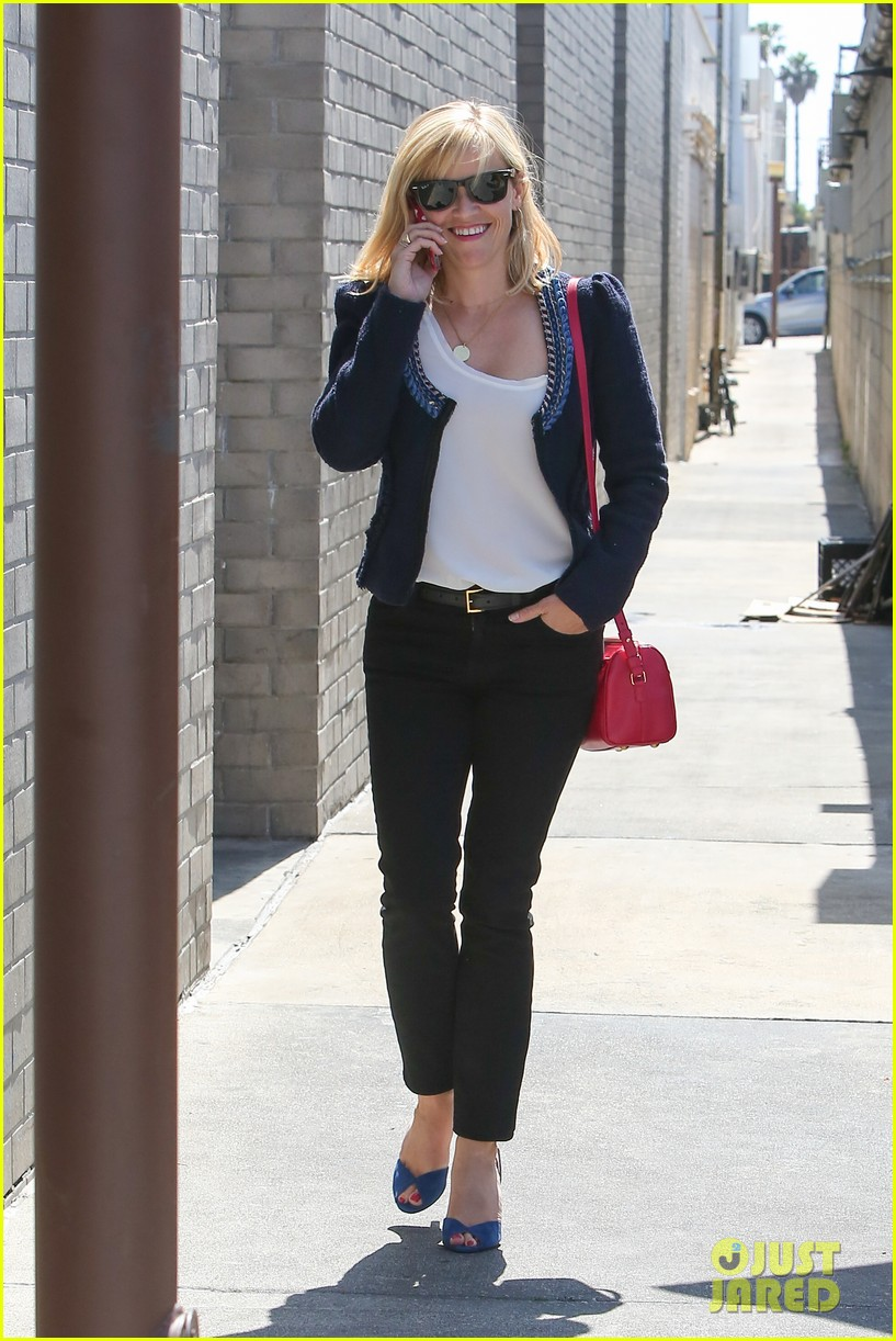 reese witherspoon is all about peeps in her easter basket 073097398