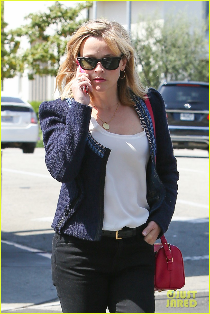 reese witherspoon is all about peeps in her easter basket 153097406