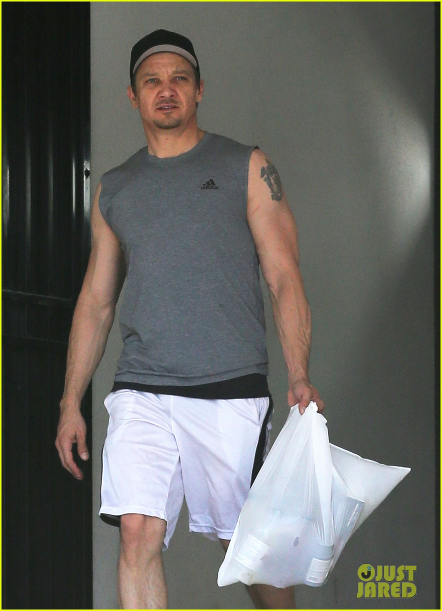 jeremy renner bulging biceps superhero workout 083088252