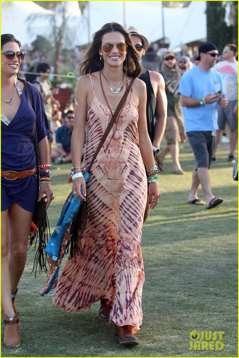 rosie huntington whiteley alessandra ambrosio coachella day three 013092086