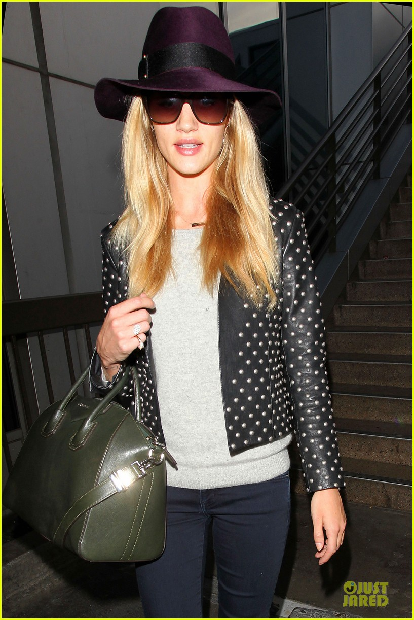 rosie huntington whiteley celebrate 27th birthday at lax 023094872