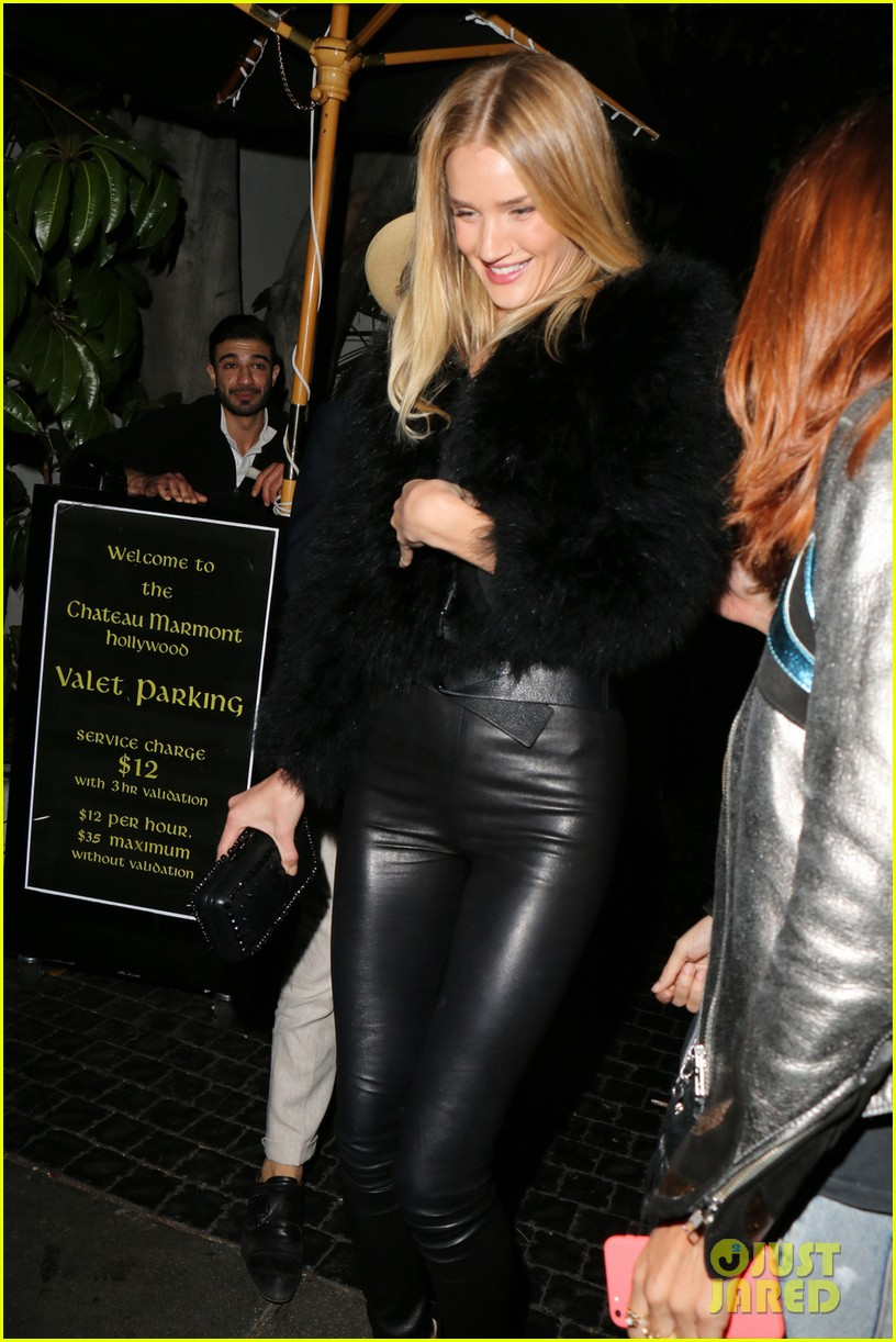 rosie huntington whiteley is all wrapped up in a male pal 013095947
