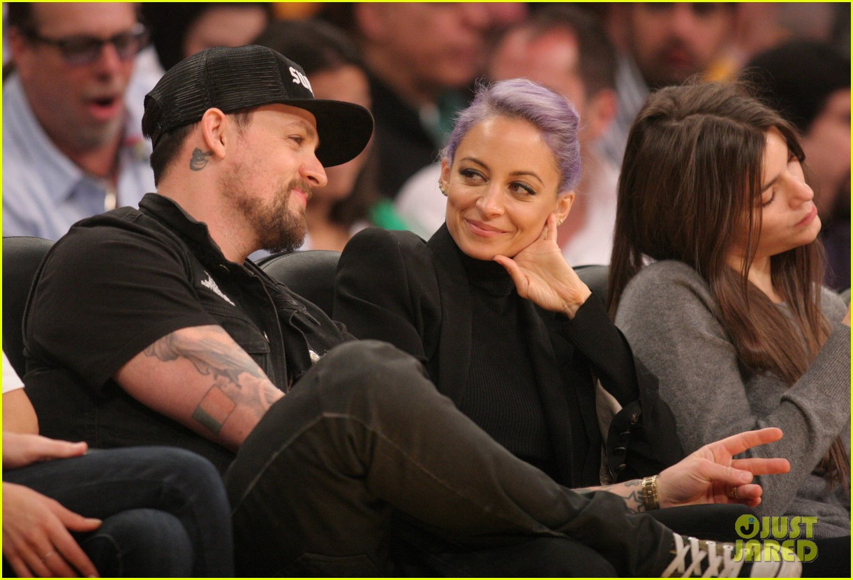nicole richie lands reality television deal with vh1 063083371