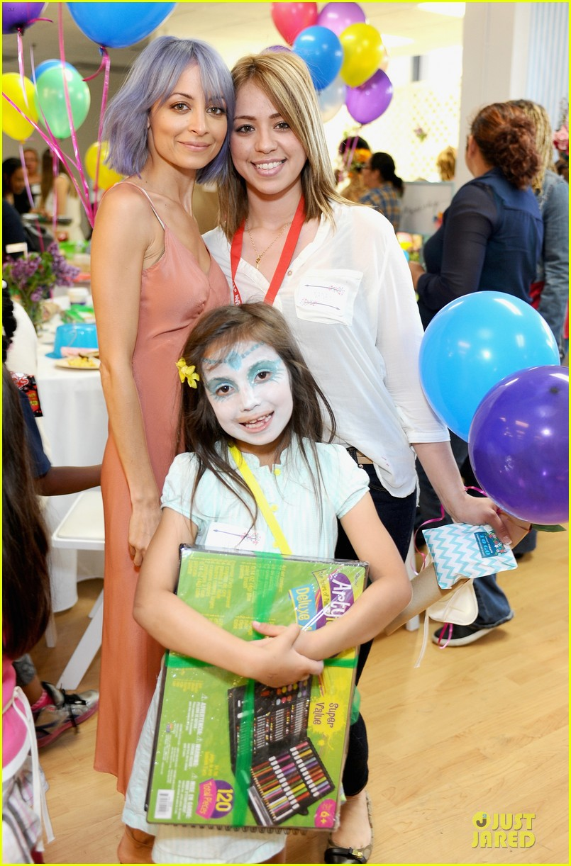 nicole richie baby mother day celebration 023099653