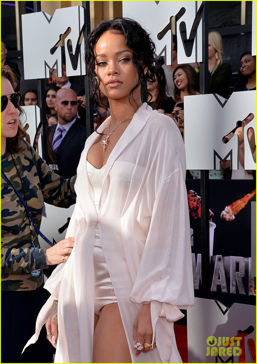 rihanna mtv movie awards 2014 08