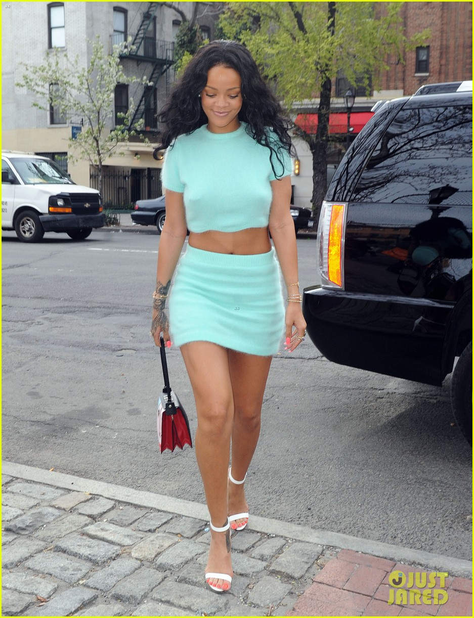 rihanna wears the perfect spring outfit bares her midriff 063100867