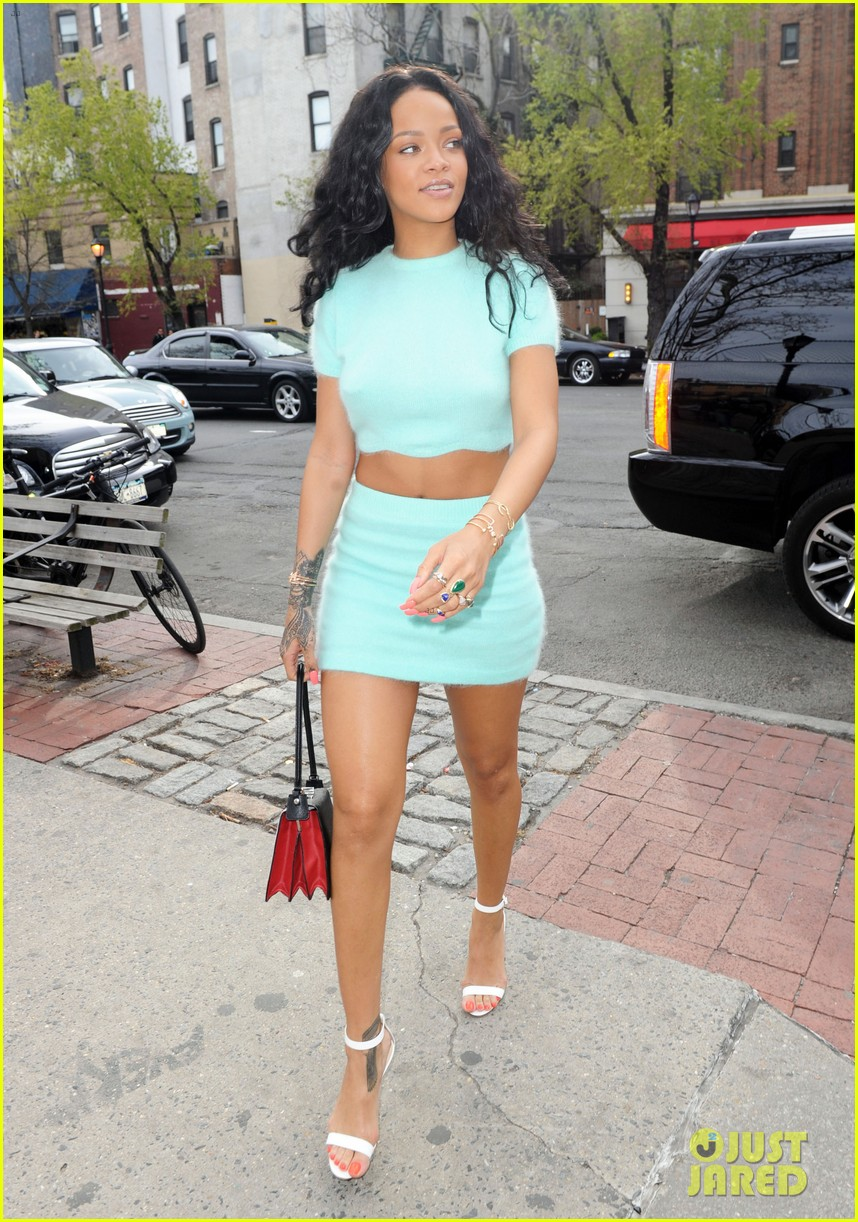 rihanna wears the perfect spring outfit bares her midriff 173100878