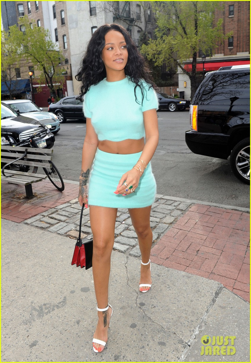 rihanna wears the perfect spring outfit bares her midriff 183100879
