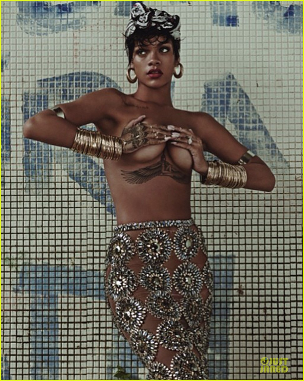 rihanna goes topless holds her boobs 043099563