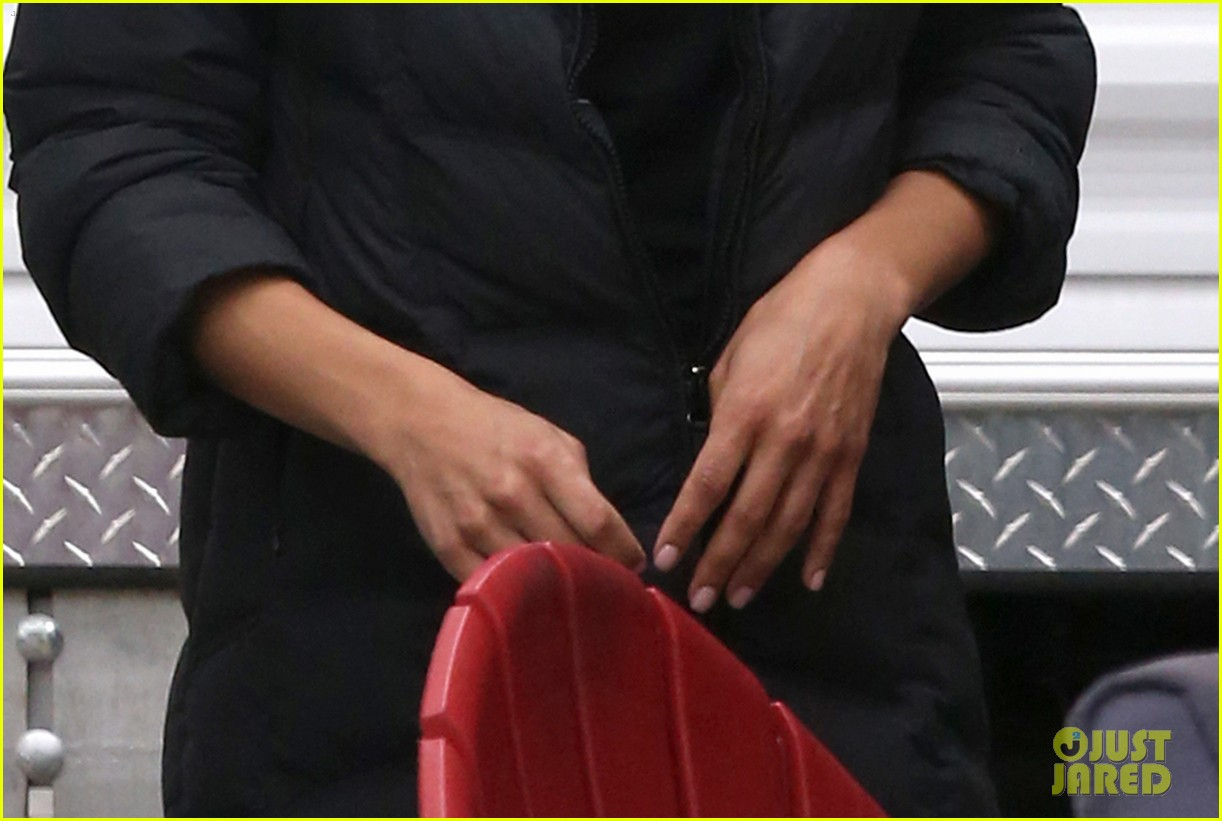 naya rivera removes engagement ring after big sean split 023088683