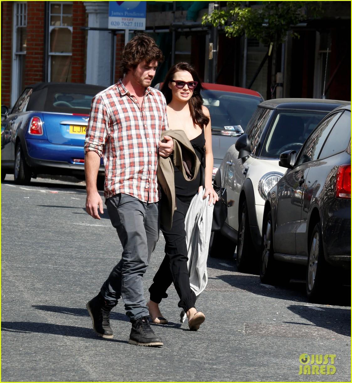 margot robbie rumored boyfriend henry aitken step out together 023093971