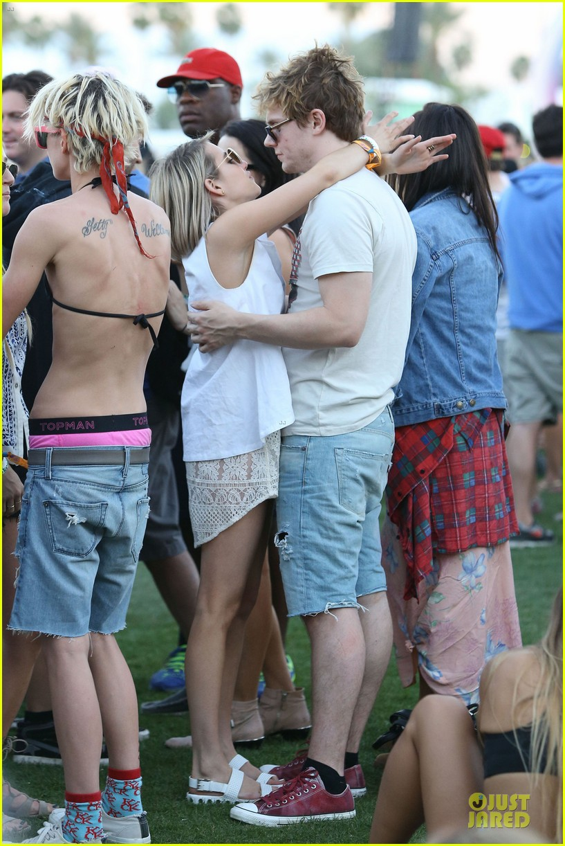 emma roberts evan peters kiss at coachella 173089770