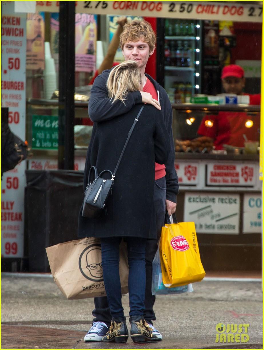emma roberts evan peters look so in love in new york city 073098001