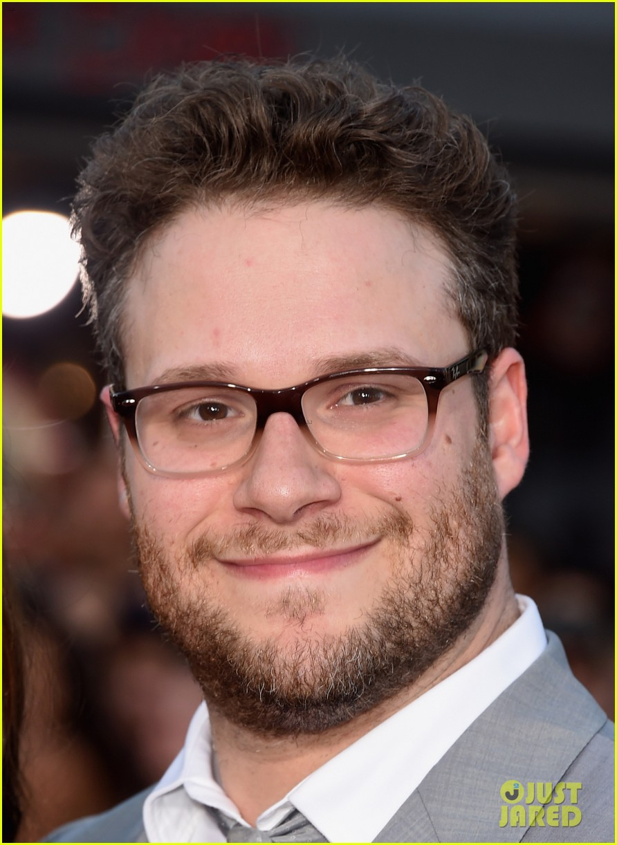 seth rogen dave franco neighbors premiere with halston sage 10