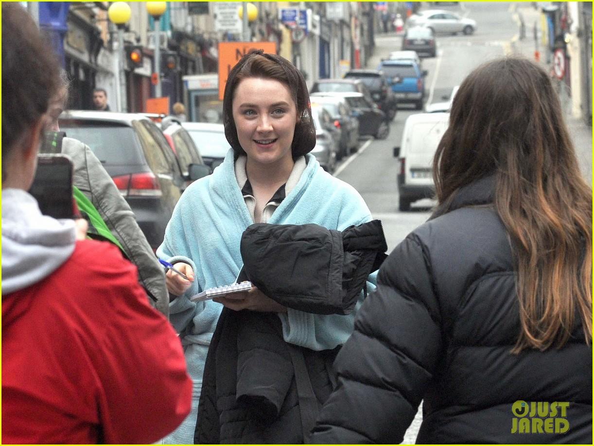 saoirse ronan begins filming brooklyn in ireland 093082770