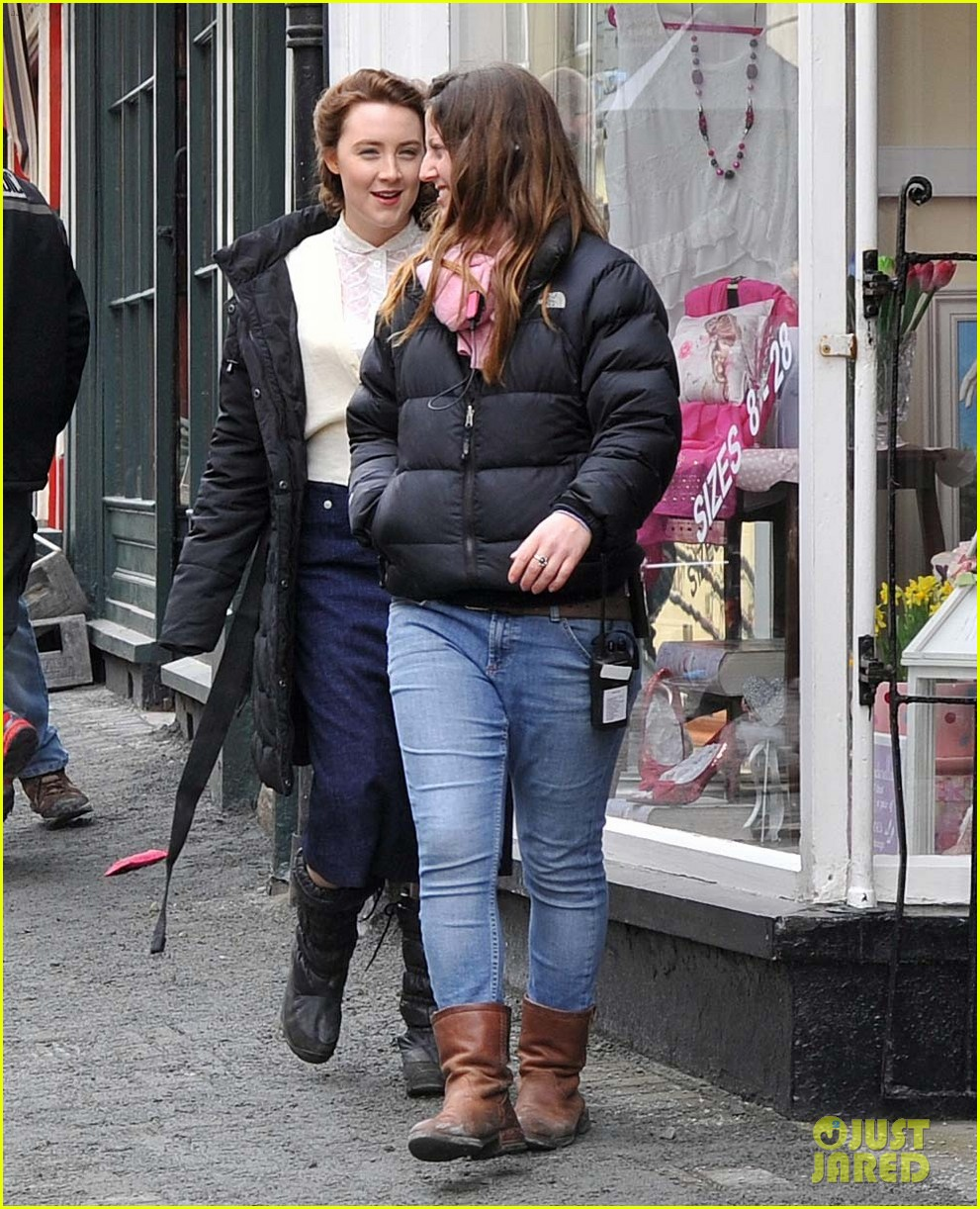 saoirse ronan begins filming brooklyn in ireland 10