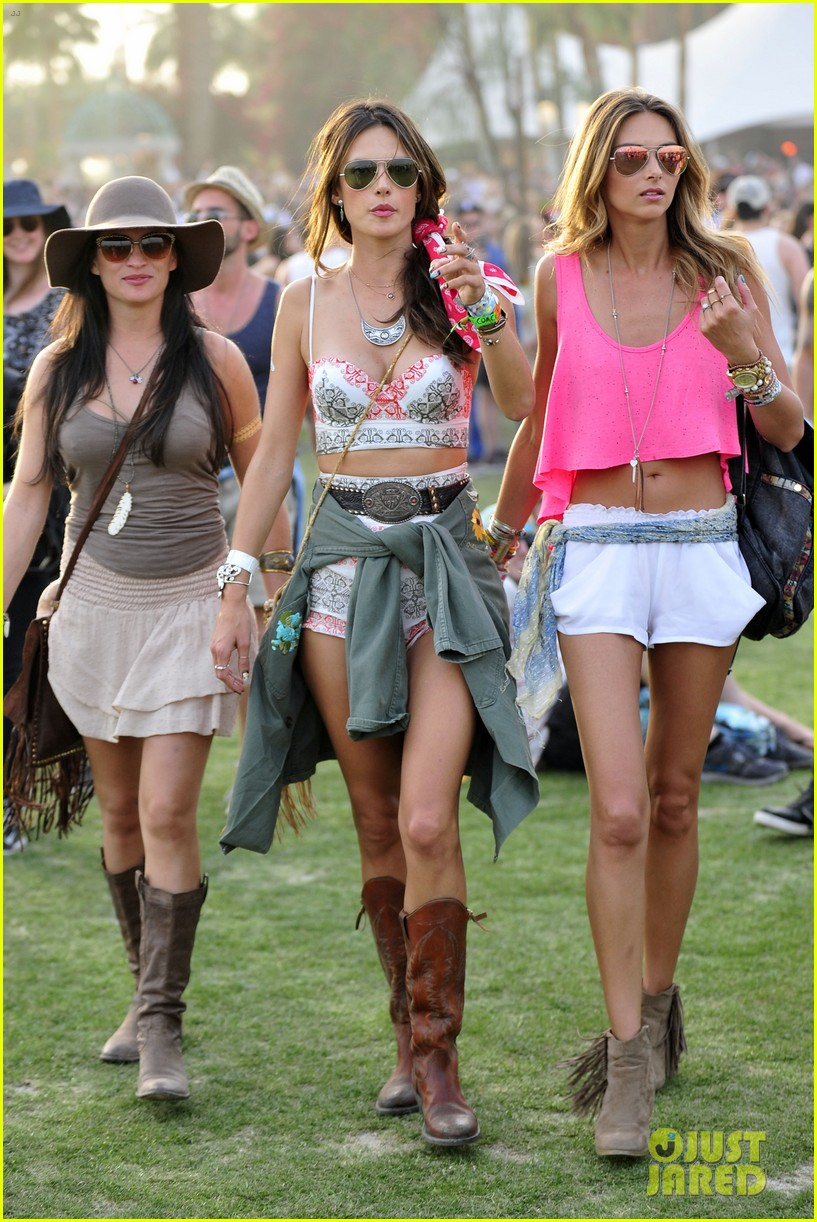 rosie huntington whiteley alessandra ambrosio bring beauty coachella 083090757