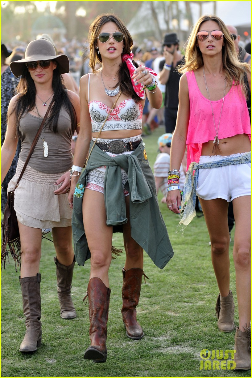 rosie huntington whiteley alessandra ambrosio bring beauty coachella 093090758