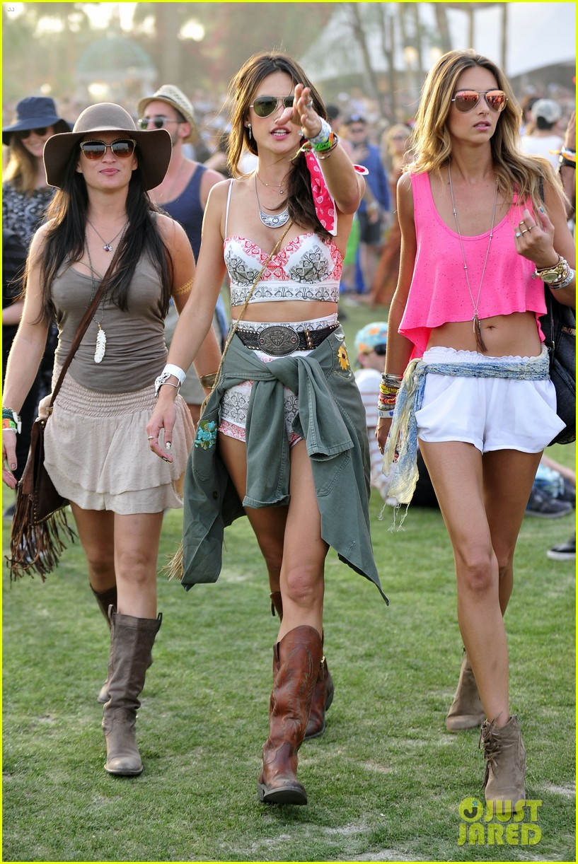 rosie huntington whiteley alessandra ambrosio bring beauty coachella 12