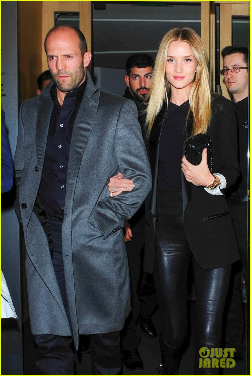 rosie huntington whiteley jason statham london backseat smooches 063100314