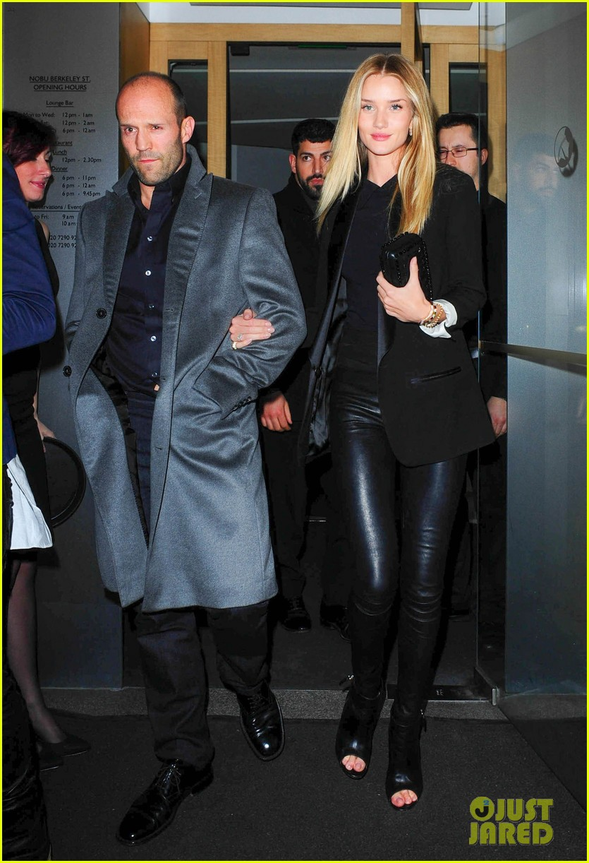 rosie huntington whiteley jason statham london backseat smooches 073100315