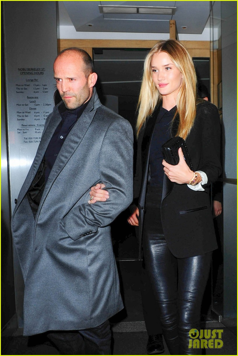 rosie huntington whiteley jason statham london backseat smooches 113100319