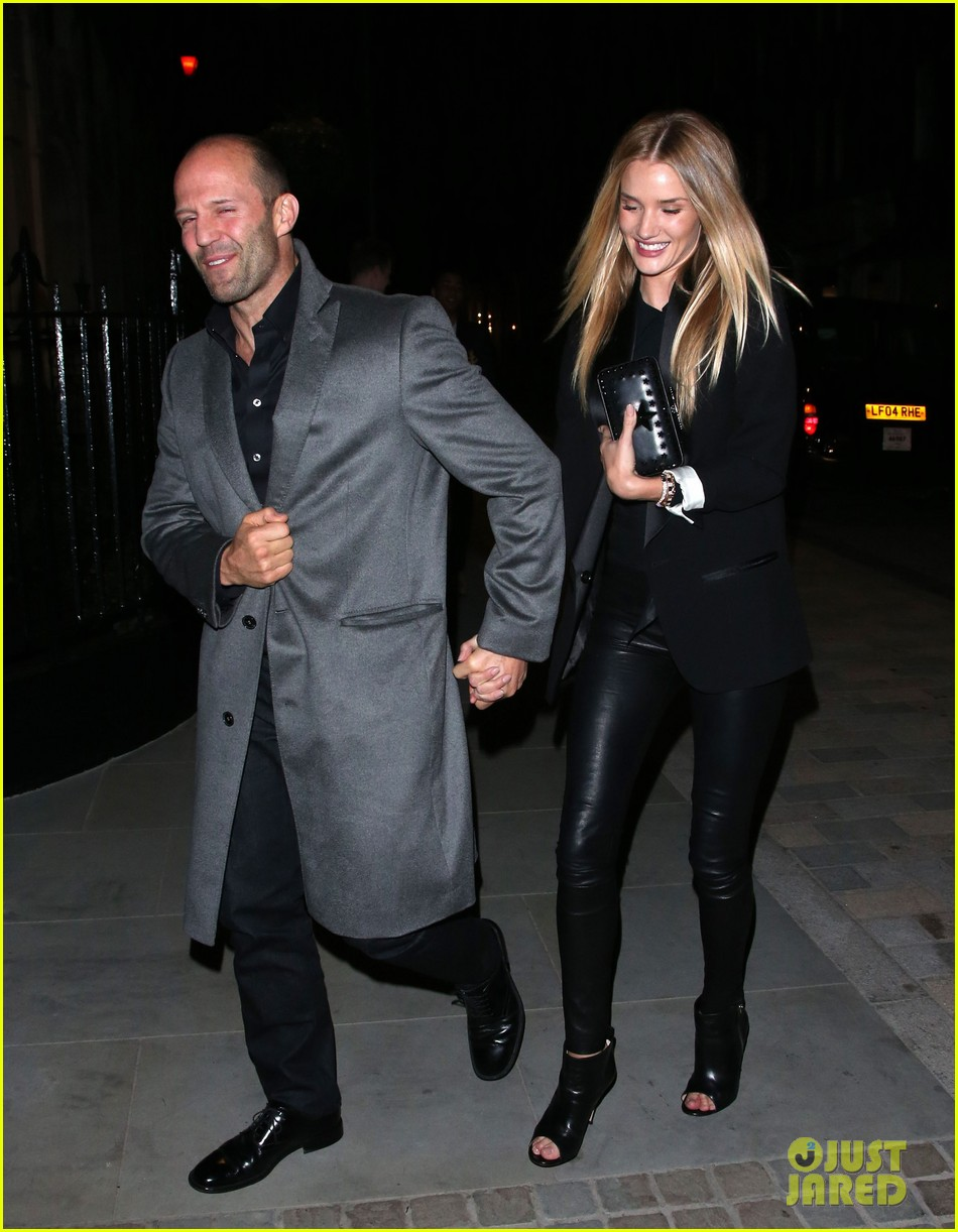 rosie huntington whiteley jason statham london backseat smooches 203100328