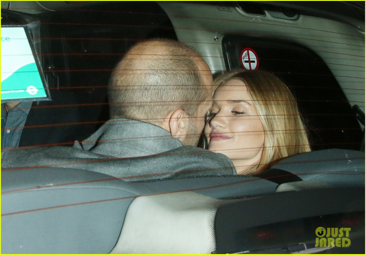 rosie huntington whiteley jason statham london backseat smooches 233100331