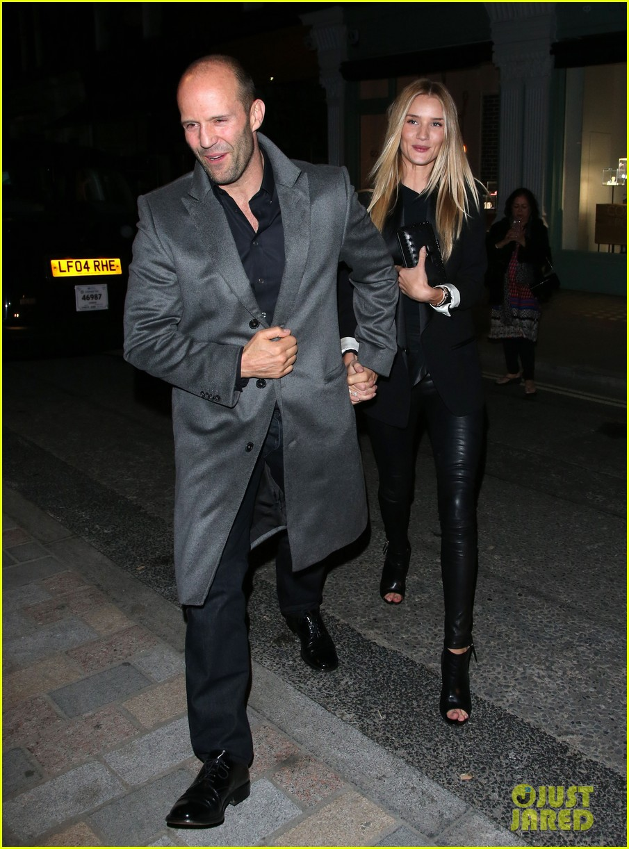 rosie huntington whiteley jason statham london backseat smooches 24