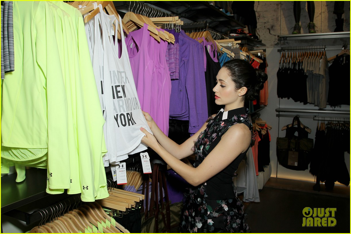 emmy rossum plays with shoes at under armour store launch 183102043