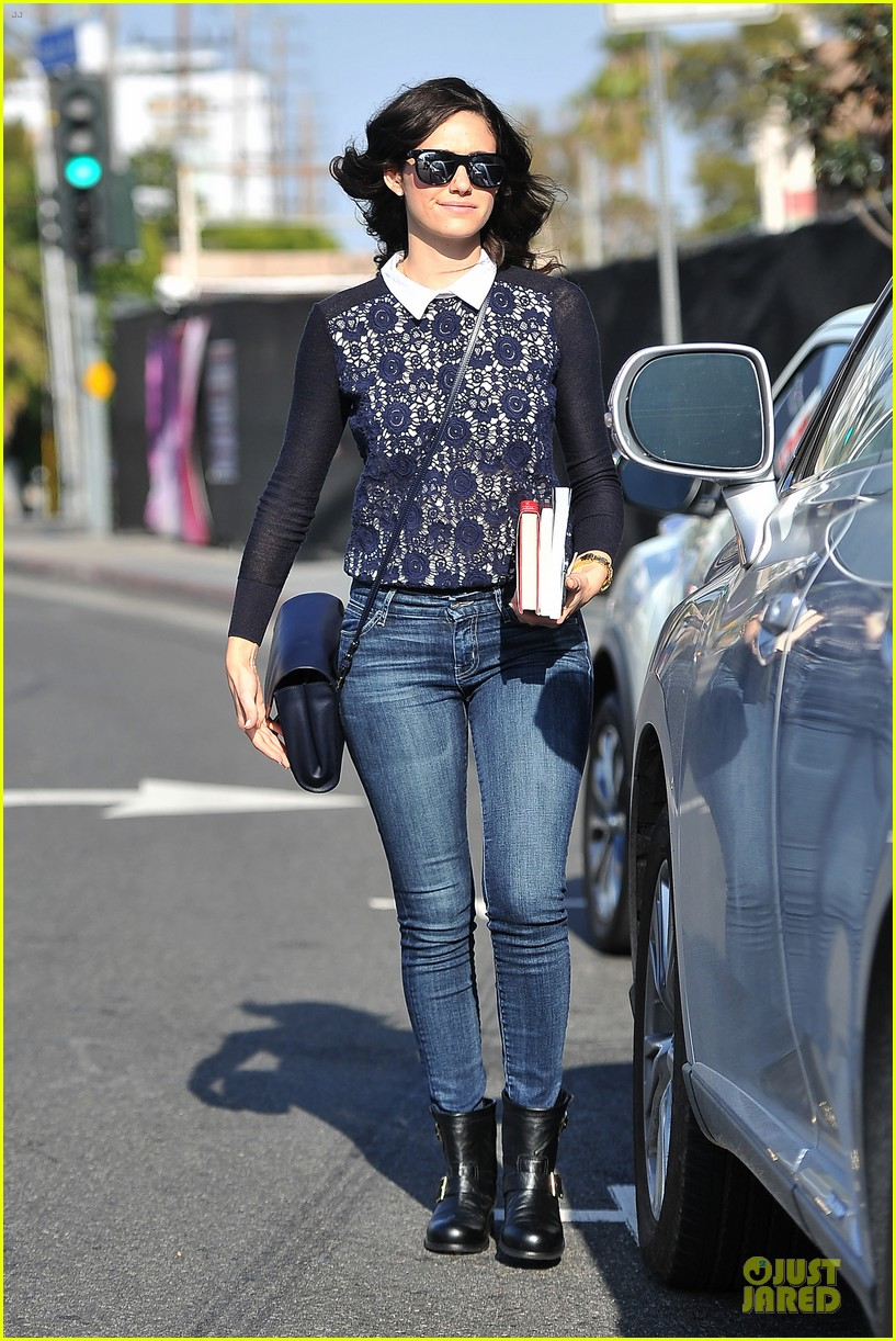 emmy rossum beautiful brainy book worm 013093715