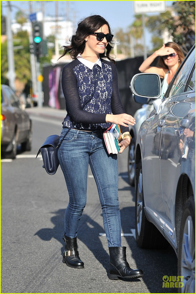 emmy rossum beautiful brainy book worm 083093722