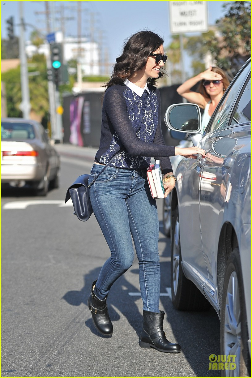 emmy rossum beautiful brainy book worm 143093728