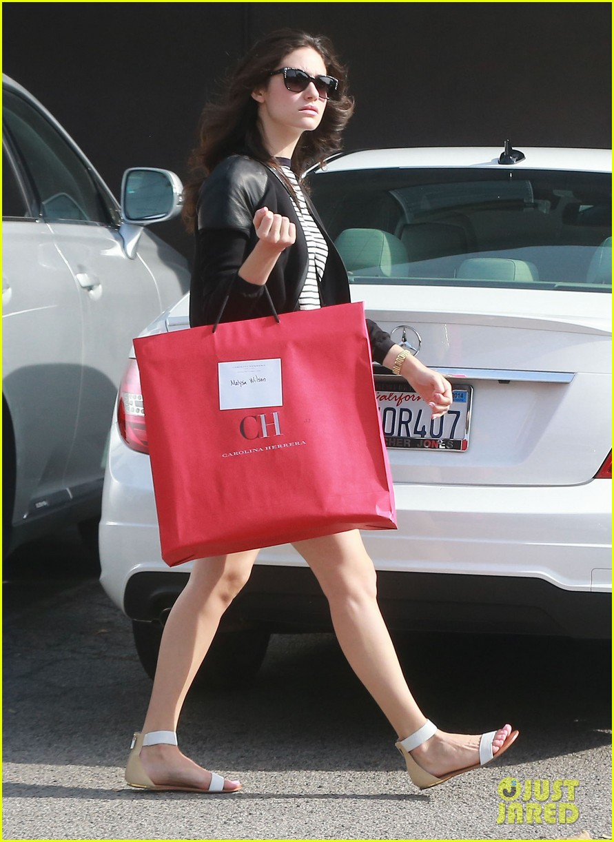 emmy rossum misses eating gluten but doesnt mean she cant smell it 103096746