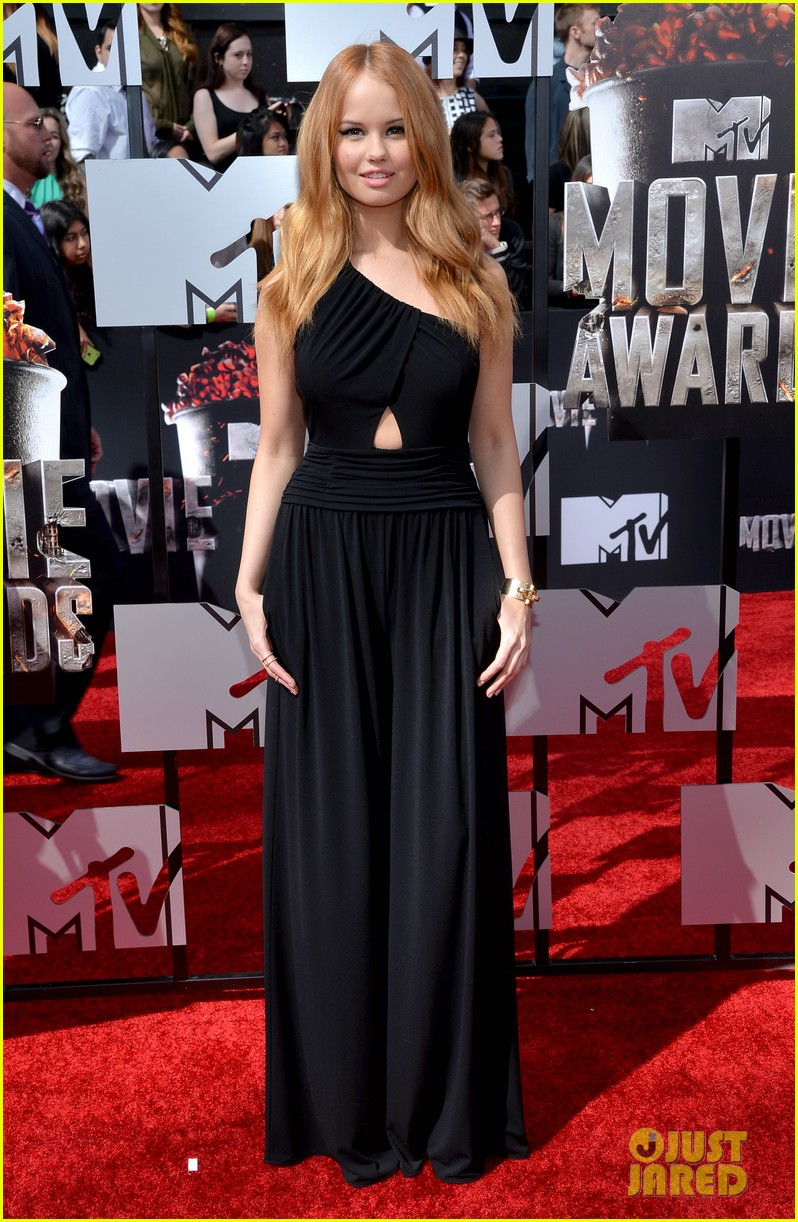 debby ryan rocks one shoulder look at mtv movie awards 2014 01