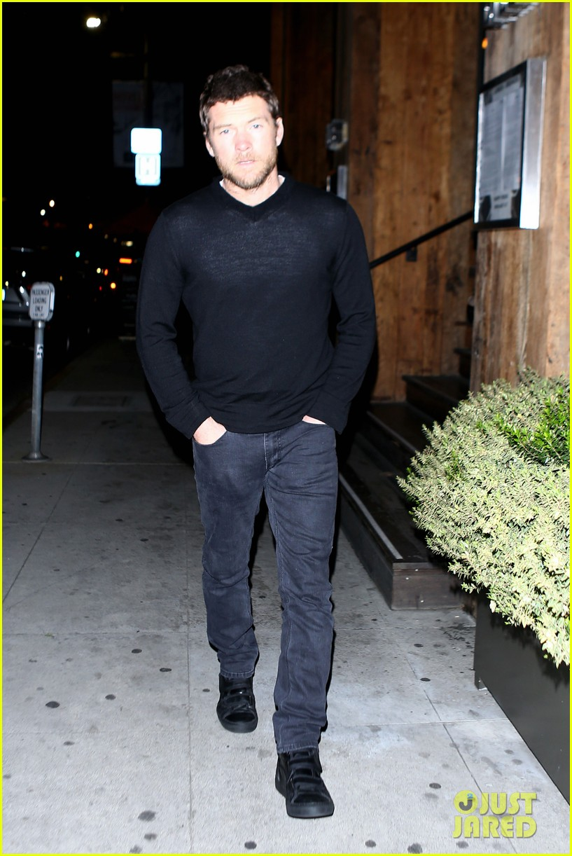 sam worthington lands next new movie role in jennifer anistons cake 083083828
