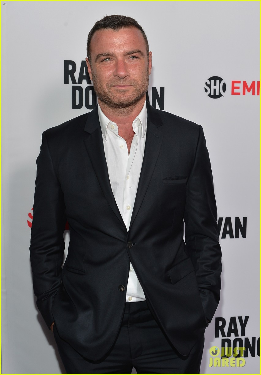 liev schreiber reunites with ray donovan cast at exclusive screening 033101490
