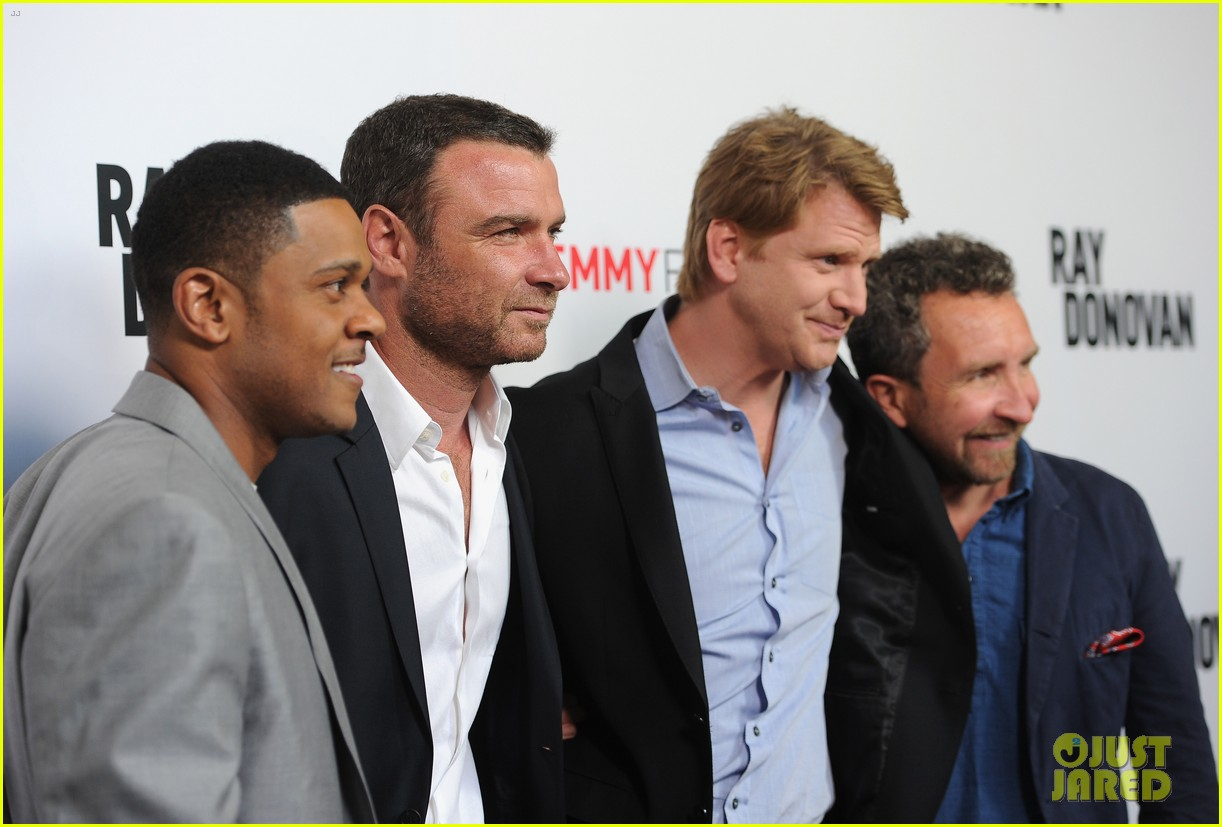 liev schreiber reunites with ray donovan cast at exclusive screening 073101494