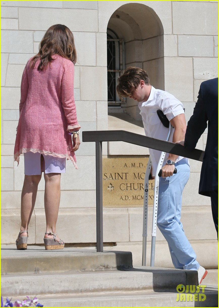 patrick schwarzenegger crutches easter sunday 093096345