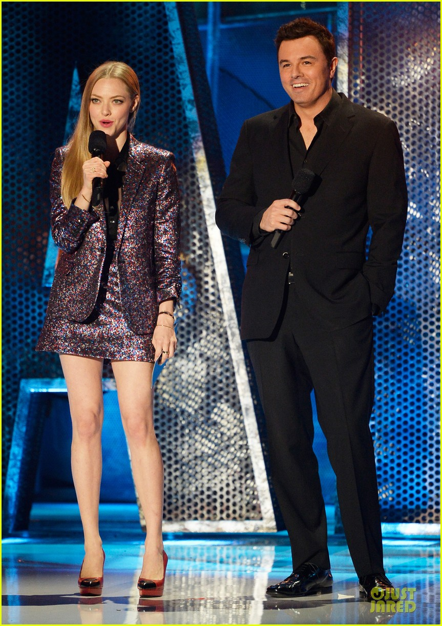 amanda seyfried mtv movie awards 01