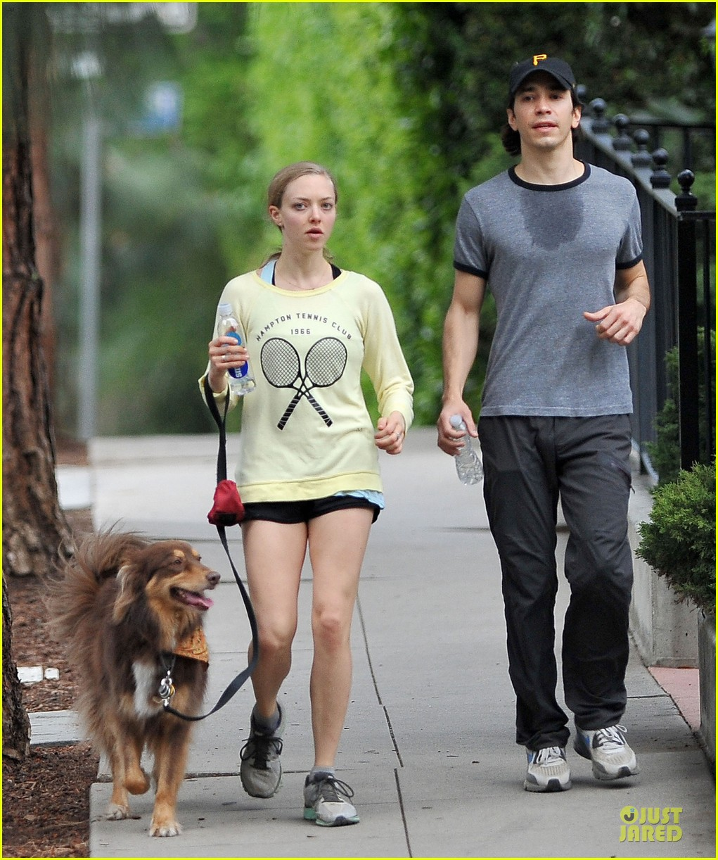 amanda seyfried working out with justin long 013089291