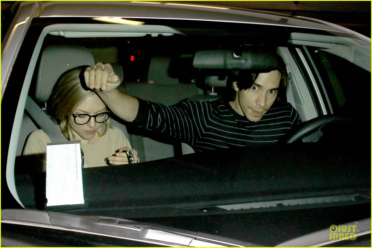amanda seyfried working out with justin long 043089294