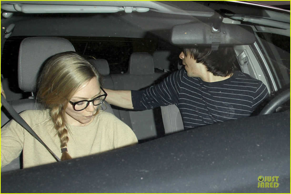 amanda seyfried working out with justin long 08