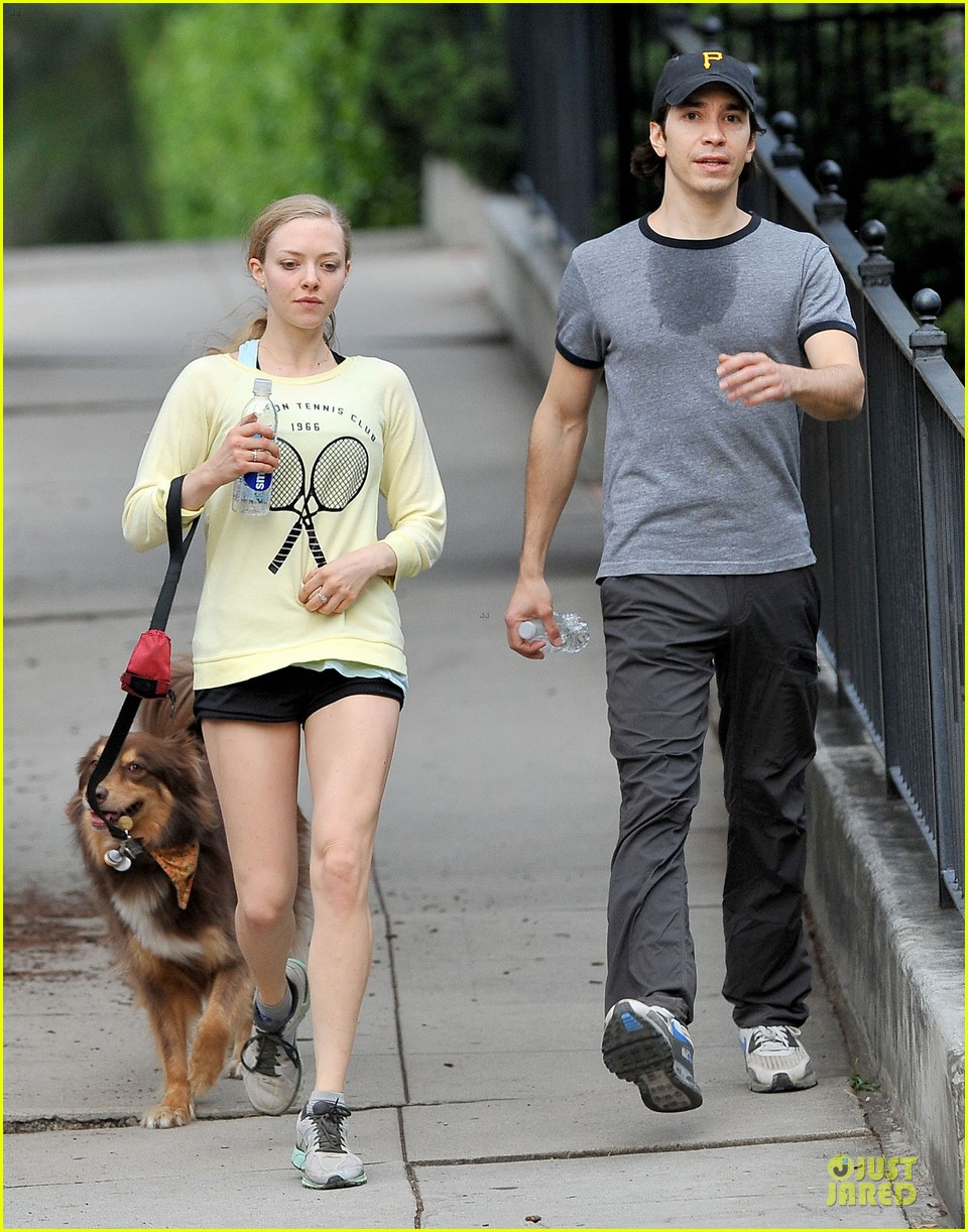 amanda seyfried working out with justin long 103089300