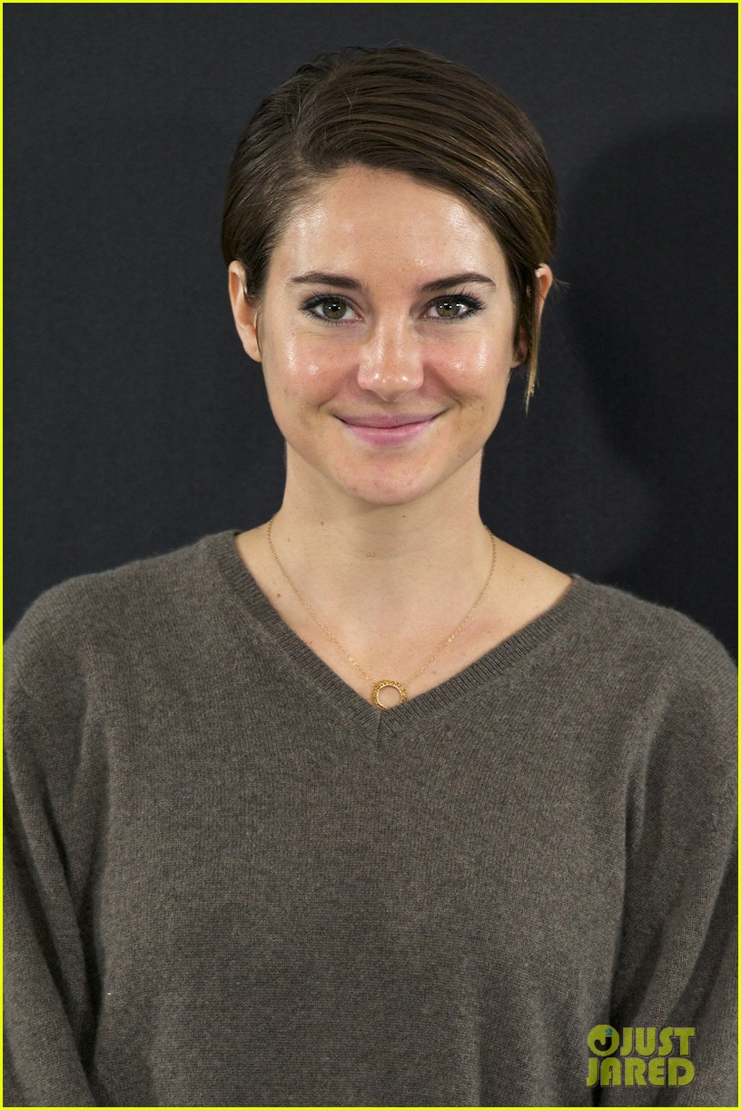 shailene woodley theo james explain that divergent is nothing like hunger games 033083905