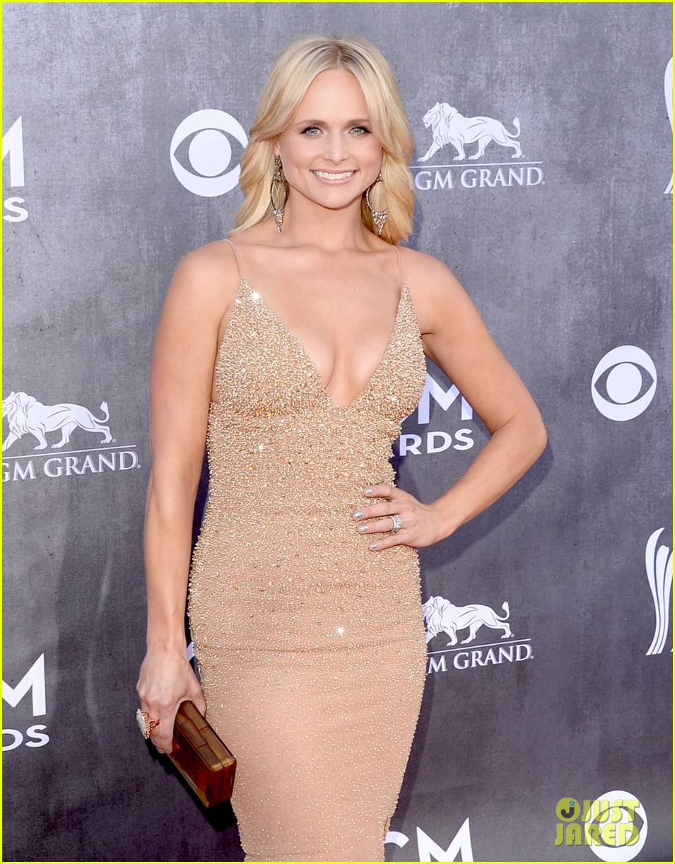 blake shelton miranda lambert acm awards 2014 red carpet 083085732