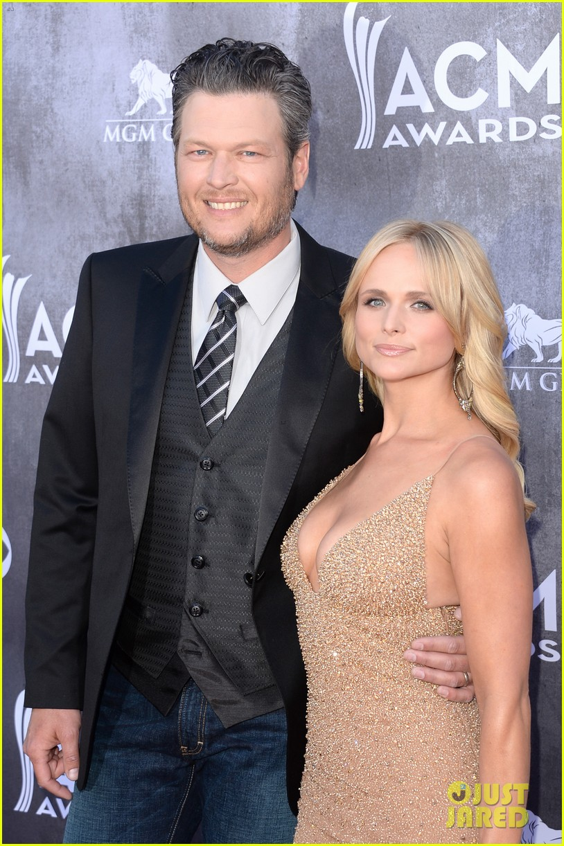 blake shelton miranda lambert acm awards 2014 red carpet 153085739
