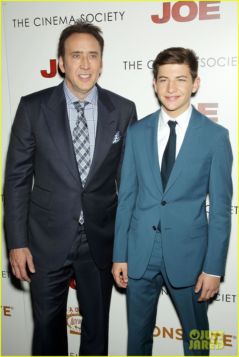 tye sheridan compares working with brad pitt 093088074